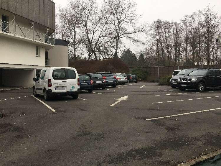 Villeneuve-d'Ascq - Place Van Gogh - Mairie - Parking réservable en ligne - Villeneuve-d'Ascq