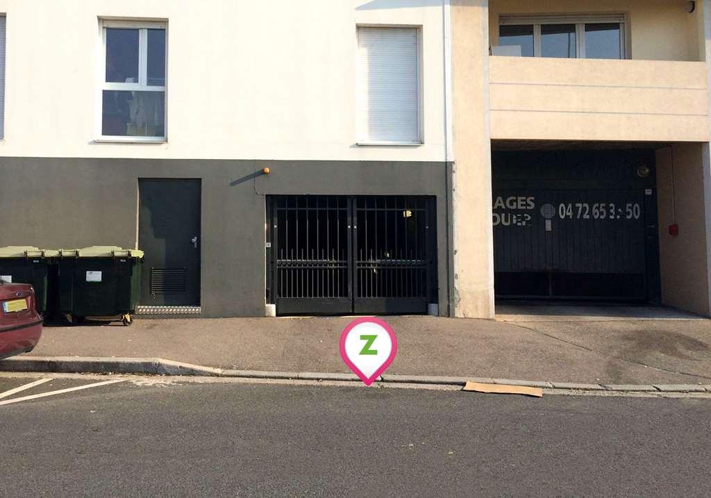 Lyon - Quartier Général Frère - Suitétudes - Parking réservable en ligne - Lyon