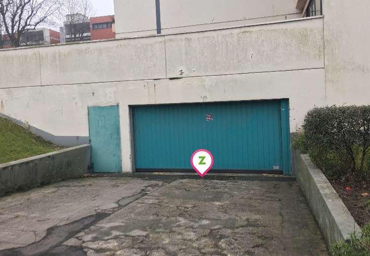 Villeneuve-d'Ascq - Hôtel de Ville - V2 - Parking réservable en ligne - Villeneuve-d'Ascq