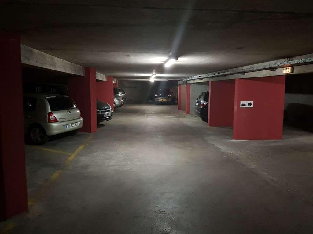 Paris - Porte de Champerret - Bd. de la Somme - Parking réservable en ligne - Paris