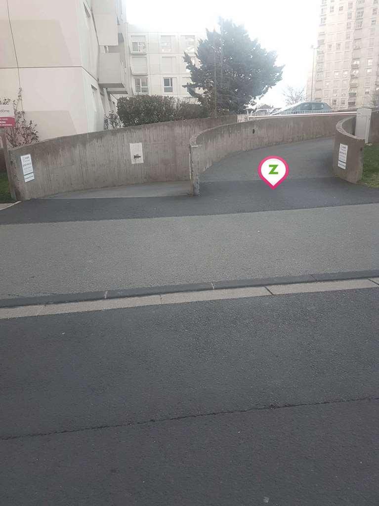 Clermont-Ferrand - Saint-Jacques - Albert Mallet - Parking réservable en ligne - Clermont-Ferrand