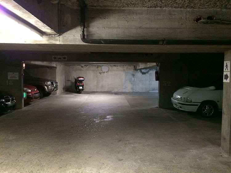 Paris - Palais des Glaces - Rue Bichat - Parking réservable en ligne - Paris