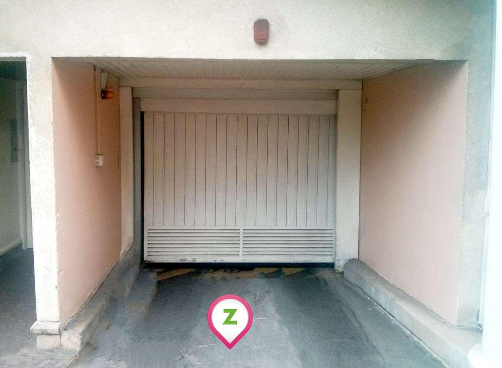 Massy - Gare de Massy-Verrières - Niemen - Parking réservable en ligne - Massy