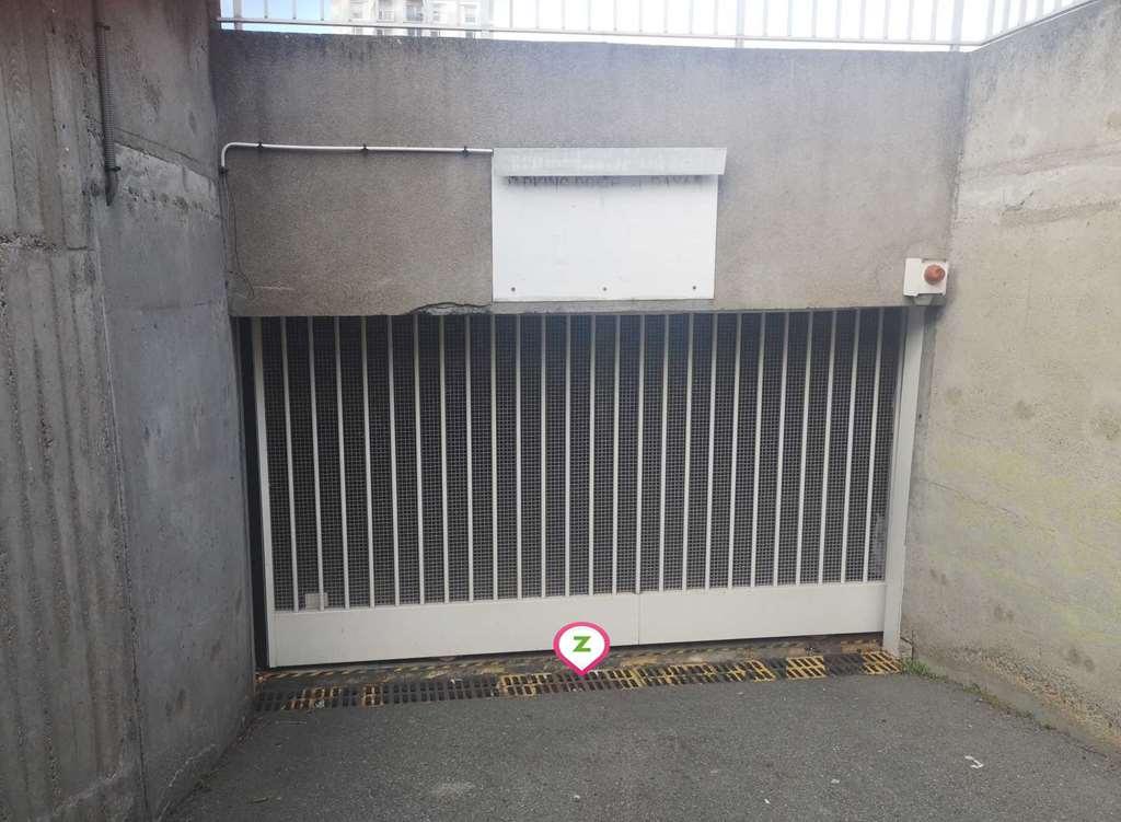 Clermont-Ferrand - Saint Jacques - CHU - Intérieur - Parking réservable en ligne - Clermont-Ferrand