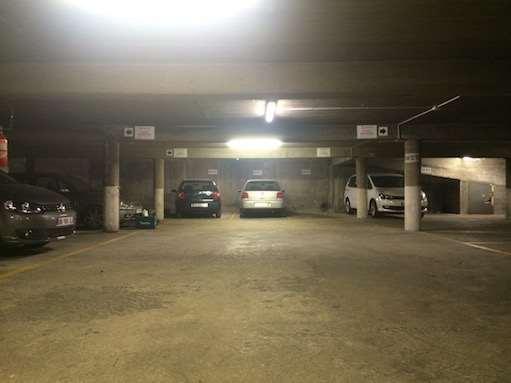 Paris - Stalingrad - Quai de la Seine - Parking réservable en ligne - Paris