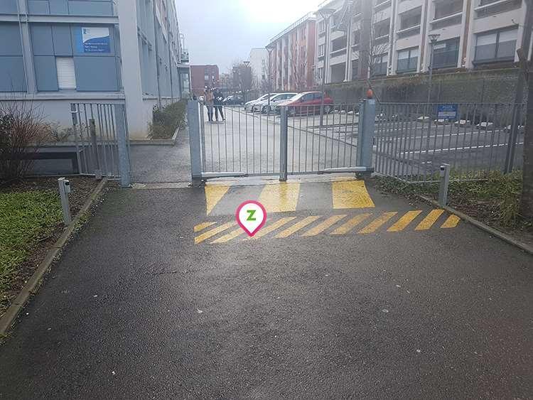 Le Havre - Saint Nicolas - Docks - Parking réservable en ligne - Le Havre
