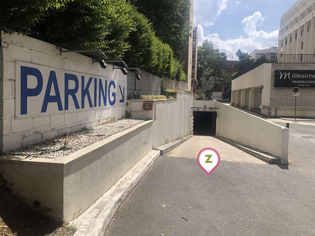 Vanves - Porte de Versailles - Mercure - Parking réservable en ligne - Vanves