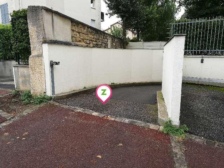 Rueil-Malmaison - Hôpital Stell - Danton - Parking réservable en ligne - Rueil-Malmaison