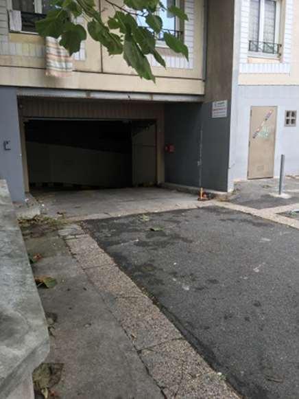 Montreuil - Proche Palais des Congrès Paris-Est - Stade Nautique - Parking réservable en ligne - Montreuil