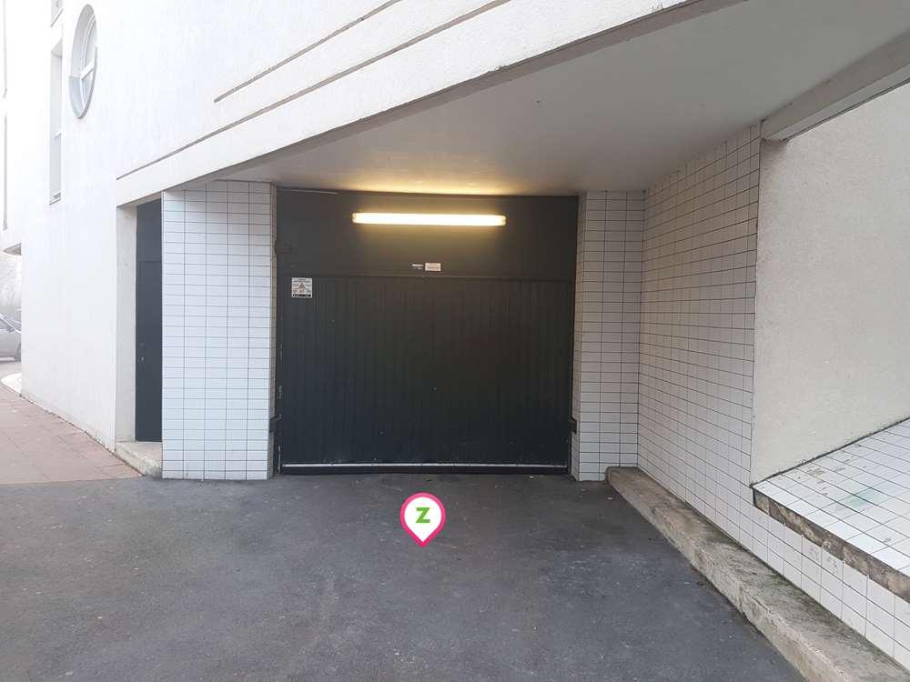Reims - Gare de Reims - Clairmarais - Parking réservable en ligne - Reims