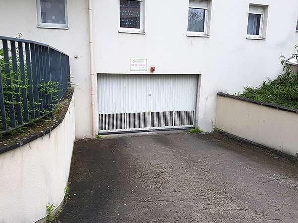 Nancy - CHRU - Hôpital Saint-Julien - Parking réservable en ligne - Nancy