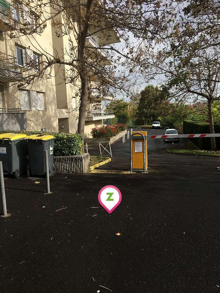 Clermont-Ferrand - Gare de Clermont-Ferrand - Oradou - Parking réservable en ligne - Clermont-Ferrand