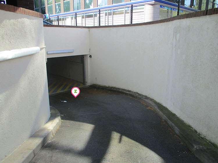 Villeneuve-d'Ascq - Stade Pierre Mauroy - Triolo - Parking réservable en ligne - Villeneuve-d'Ascq