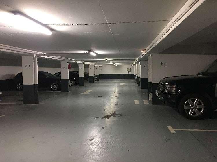 Courbevoie - La Défense - Hôtel de ville de Courbevoie - Parking réservable en ligne - Courbevoie
