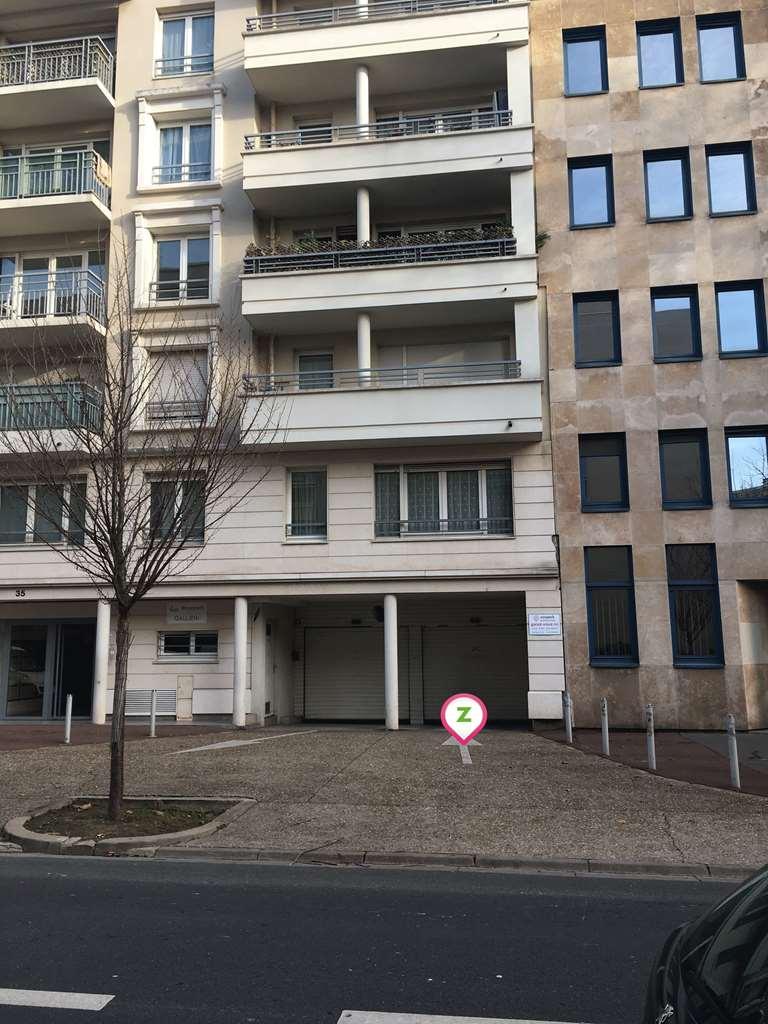 Issy-les-Moulineaux - Palais des Congrès d'Issy - Mairie - Parking réservable en ligne - Issy-les-Moulineaux