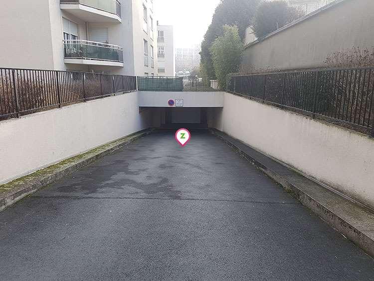 Reims - Stade Auguste Delaune - Léo Lagrange - Parking réservable en ligne - Reims