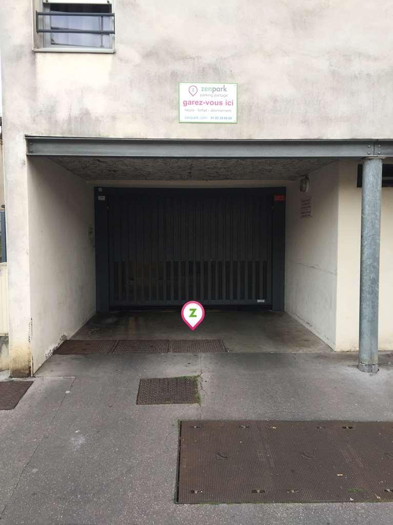 Lyon - Saint-Just - Funiculaire - Parking réservable en ligne - Lyon