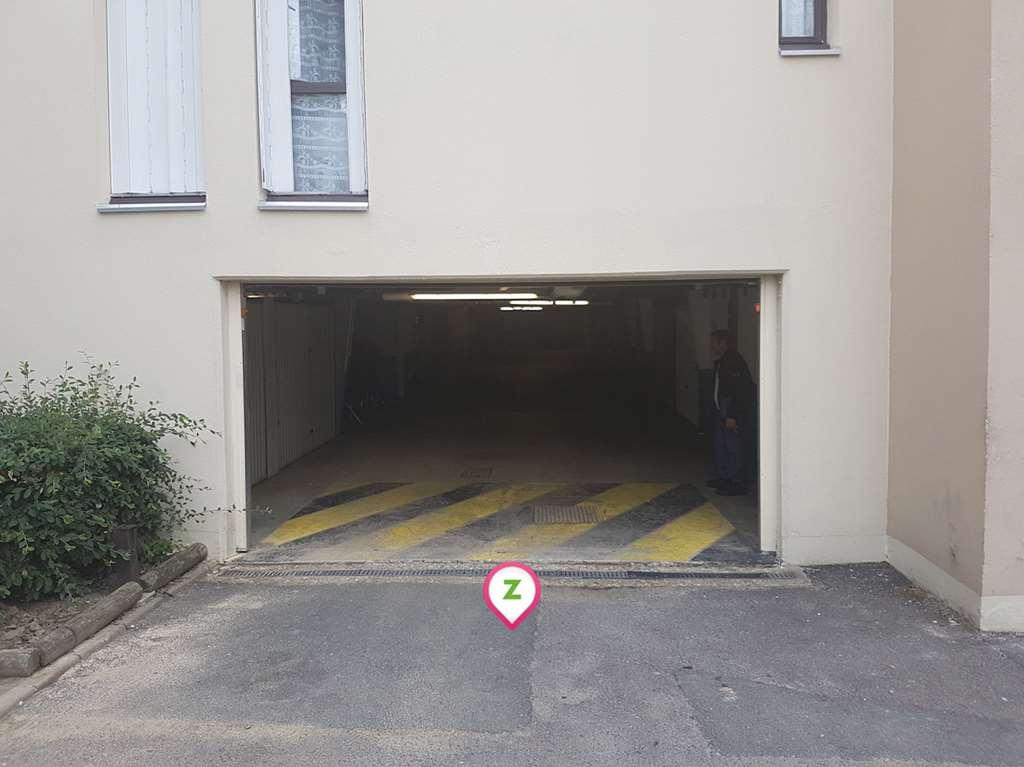 Courcouronnes - Square de la Borne - Plessis Briard - Parking réservable en ligne - Évry-Courcouronnes