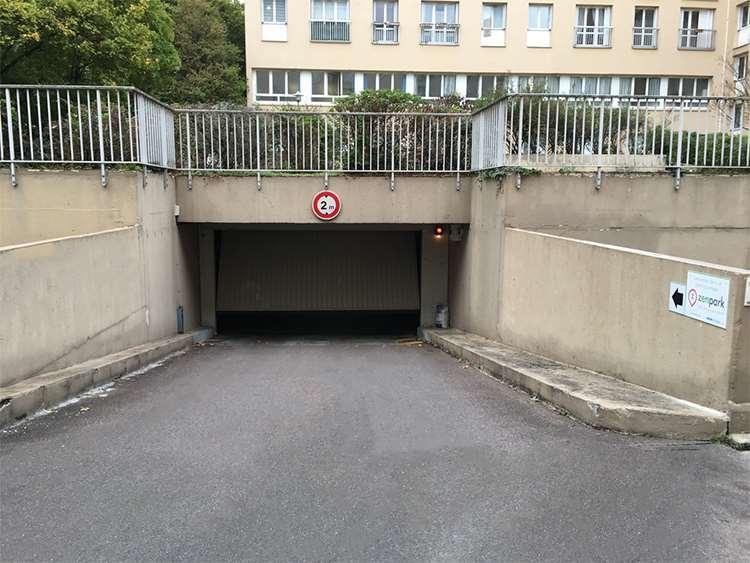 Versailles - Gare de Montreuil - Bonne Aventure - Parking réservable en ligne - Versailles